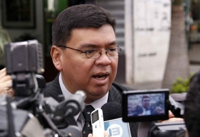 Invasores amenazan y violentan a productores en Campo 9, denuncia exministro