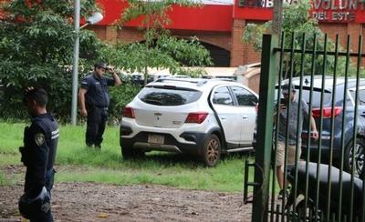 HOY / Ante presión de taxistas, PMT de CDE envía al corralón los móviles de UBER y MUV