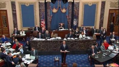 """Los demócratas acusaron a Trump de haber querido hacer """"trampa"""" en las próximas elecciones en el segundo día de juicio político"""