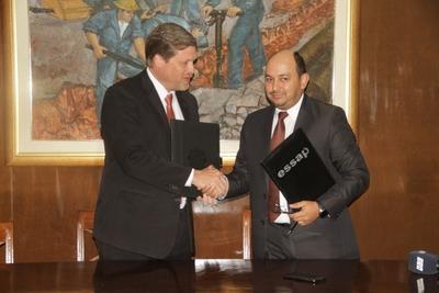 INC firma convenio para asegurar provisión de cemento en obras de la Essap