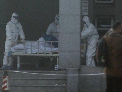 China cierra otras dos ciudades para contener el coronavirus