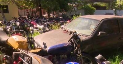 Policía está habilitada para destruir vehículos abandonadas en comisarías