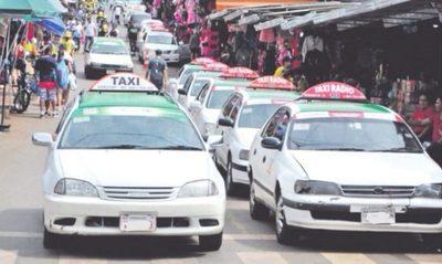 Taxistas protestan contra MUV y UBER en Ciudad Del Este