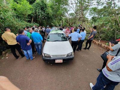 Los taxistas no pagan tributo especial y tampoco se puede cobrar Muv y Uber, afirman