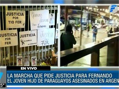 Familiares de joven asesinado en Argentina se manifestaron en Asunción