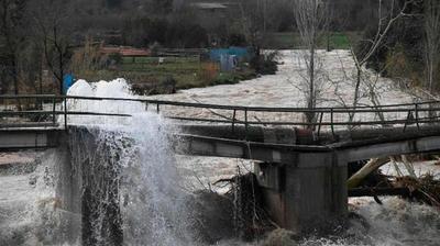 España: Un temporal con olas de 10 metros dejó al menos 11 muertos y destrozos en las costas