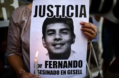 Protesta en Argentina por asesinato de un joven, hijo de compatriotas, a manos de rugbiers