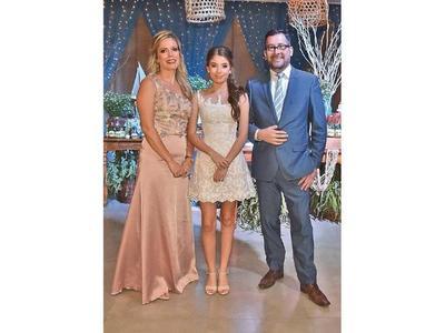 La fiesta de 15 años de  Alejandra  Cabral