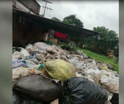 Detienen a dueño de una fábrica de plásticos con criaderos de dengue
