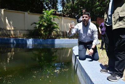 Municipalidad intervino casa abandonada en busca de criaderos de mosquitos