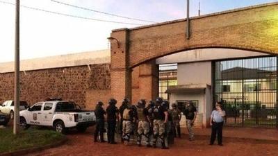 HOY / Crisis en cárceles, funcionarios  implicados en mafia: gobierno  'tomnará medidas', afirman