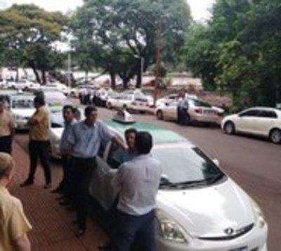 Municipalidad de Ciudad del Este avala legalidad de MUV y Uber