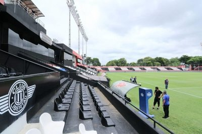 Diez de los doce estadios de primera ya tienen VAR