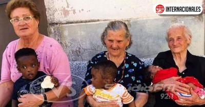 Ancianas italianas se transforman en abuelas de pequeños migrantes
