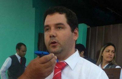 """Exviceministro dice que querellará a los que lo acusaron en torno al """"bolígrafo de Minotauro"""""""