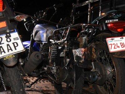 Dio positivo al alcotest e incendió su moto
