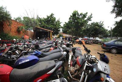 Justicia autoriza al MOPC a destruir 5.081 vehículos