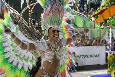 Exitosa primera ronda del carnaval encarnaceno 2020