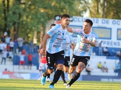 Guaireña festejó histórico primer triunfo en la primera división