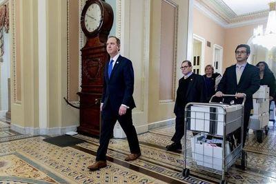 """Jefe de acusadores en juicio político contra Trump se dice """"amenazado"""" por el  presidente"""