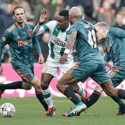 Ajax cae y pone en peligro el liderato