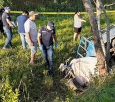 Menor fallece tras chocar motocarro contra un árbol