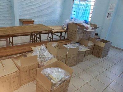 "Petta califica de ""hecho histórico"" la entrega total de kit escolares"