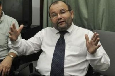 """Financiamiento Político: Latorre """"ve difícil"""" implementación de control del dinero sucio"""