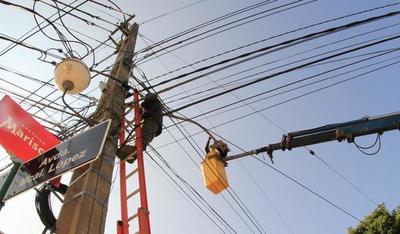 Sustituyen alumbrado público con tecnología LED sobre Avda Mariscal López