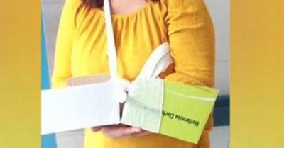 Enfermera tavyrai hizo un yeso con cartón