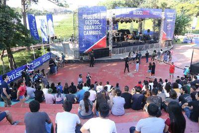 Pilsen Reciclarte atrapó al público en anfiteatro de Ciudad del Este