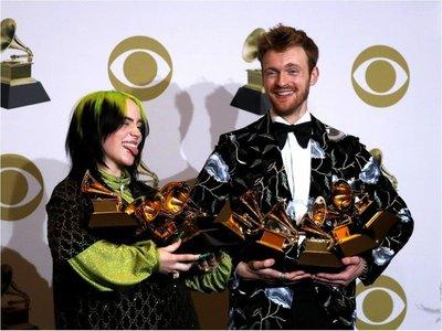 La emoción dio el tono a la 62ª ceremonia de entrega del Grammy