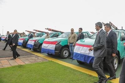 ANDE incorpora vehículos para mejorar atención de reclamos
