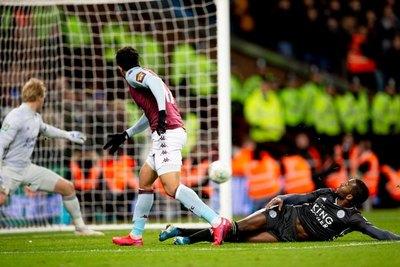Aston Villa tumba al Leicester y avanza a la final de la Carabao Cup