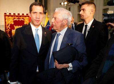 """""""Tiempos recios"""" de Vargas Llosa, premio Francisco Umbral al Libro del Año"""