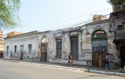 Fuertes multas contra dueños de predios abandonados en Asunción