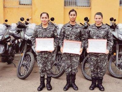"""Tres mujeres entrenarán a las primeras 30 """"linces"""""""