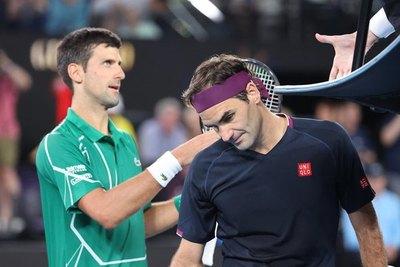 Djokovic vence a un lesionado Federer y es finalista en Australia