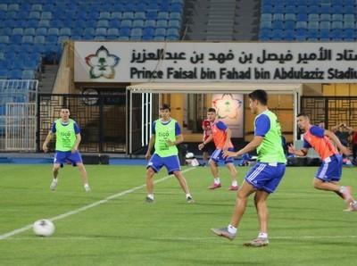 La Albirroja se movilizó hoy por primera vez en Riad