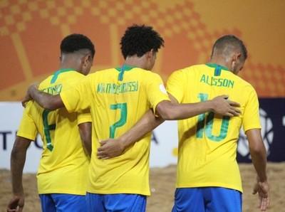 Brasil se afirma en la cima del Grupo B