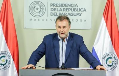 Ministro defiende reglamentación de cobros adicionales de funcionarios