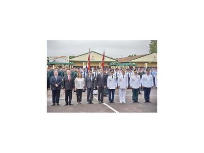 Presidente tomó el juramento a  egresados de Cimefor