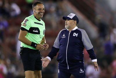 El Gimnasia de Maradona empató con Huracán