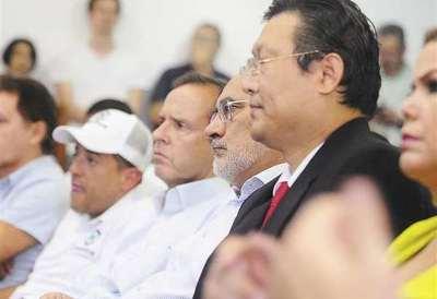 Los candidatos opositores al MAS no consiguen unirse en Bolivia