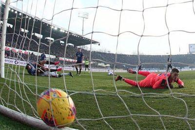 Tonny Sanabria anota en empate del Genoa