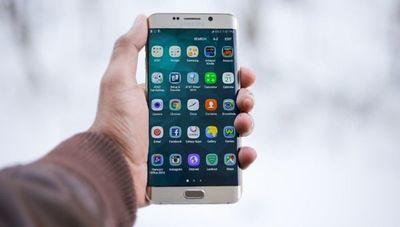 Samsung sigue liderando el mercado global de teléfonos inteligentes en 2019