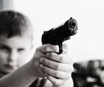 Niño de 9 años amenazaba a otros menores con un arma de fuego