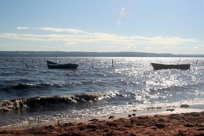 """Tras chapucería que va desagotando al lago Ypacaraí, aplican operativo para recargarlo y """"ver qué hacer"""" con cloacas"""