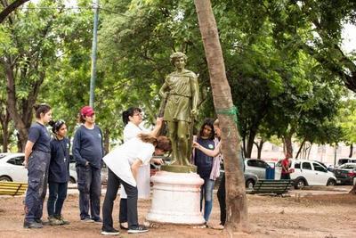 Instituciones articulan acciones para puesta en valor de plazas frente al Congreso
