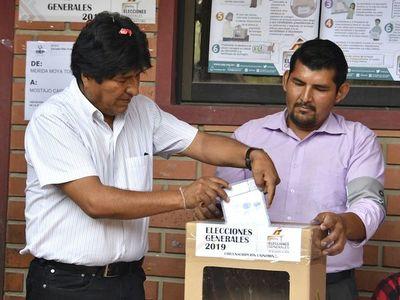 Campaña electoral arranca en Bolivia con Evo Morales mirando al Senado